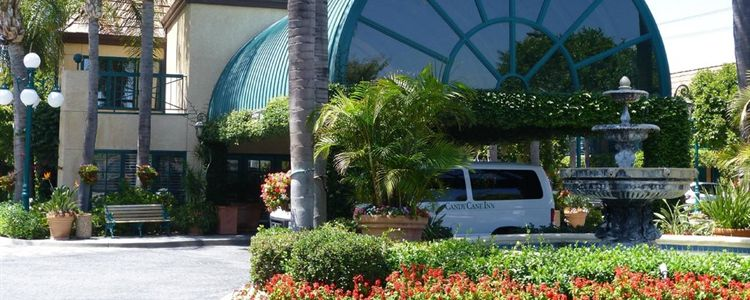 Anaheim Hotel with Airport Shuttle - Candy Cane Inn